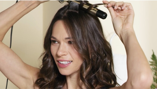 """Beachy Waves with a 24K Gold 1"""" Digital Curling Iron"""