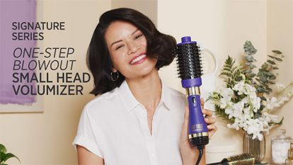 A Blowout with Waves with a Pro Signature One-Step Detachable Small Head Volumizer